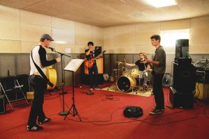 vip-studios-groupe-2-puk-samia-hamlaoui